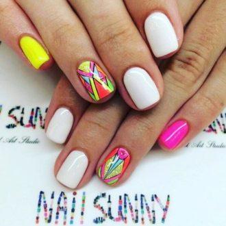 короткие ногти разноцвет