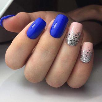 ярко синие ногти