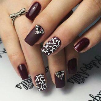 ногти тёмные