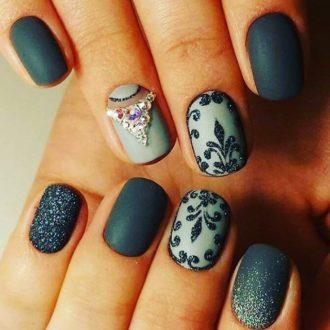короткие ногти бирюза
