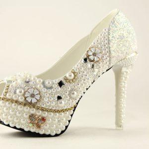 туфли в стразах