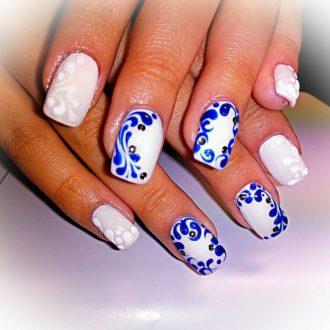 белые ногти с узором