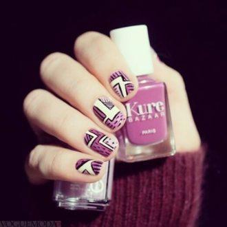бело фиолетовые ногти