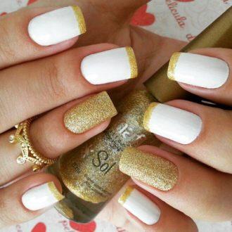 белый маникюр с золотом с втиркой