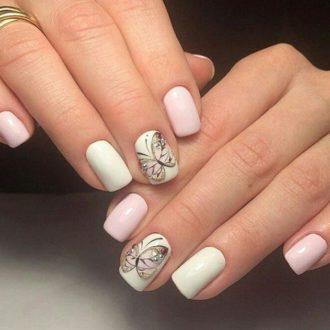 белые ногти бабочка