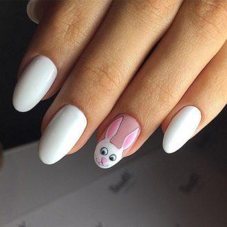 белые ногти зая