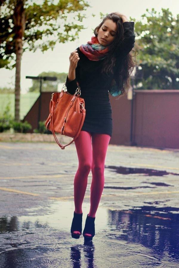 модные красные колготки