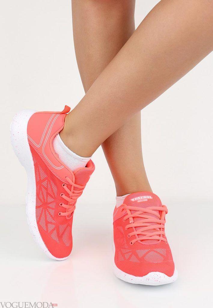 кроссовки розовые с узором