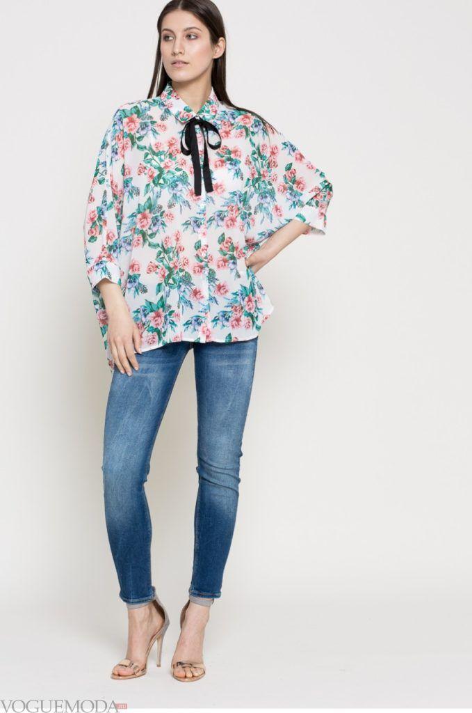 модная женская рубашка в цветы