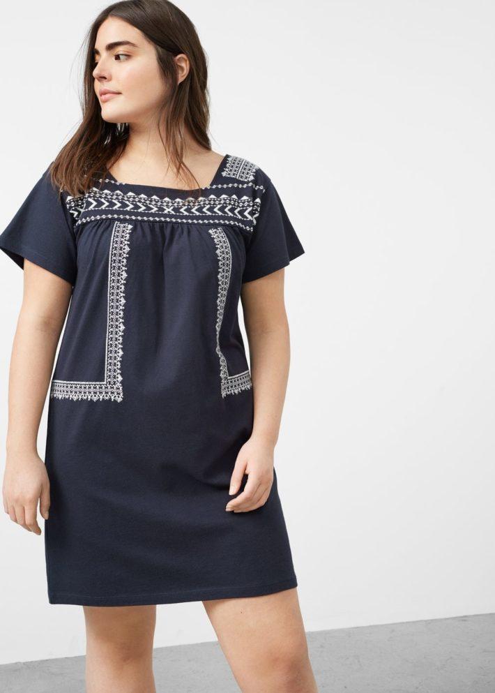каждодневное платье для полных с узором