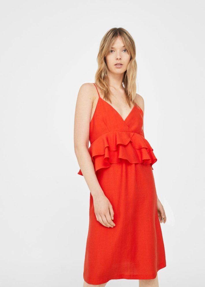 модные платья на каждый день: красное с рюшей