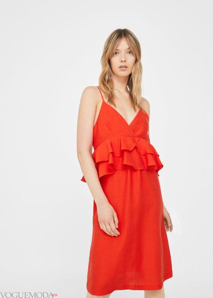 каждодневное красное платье с рюшей