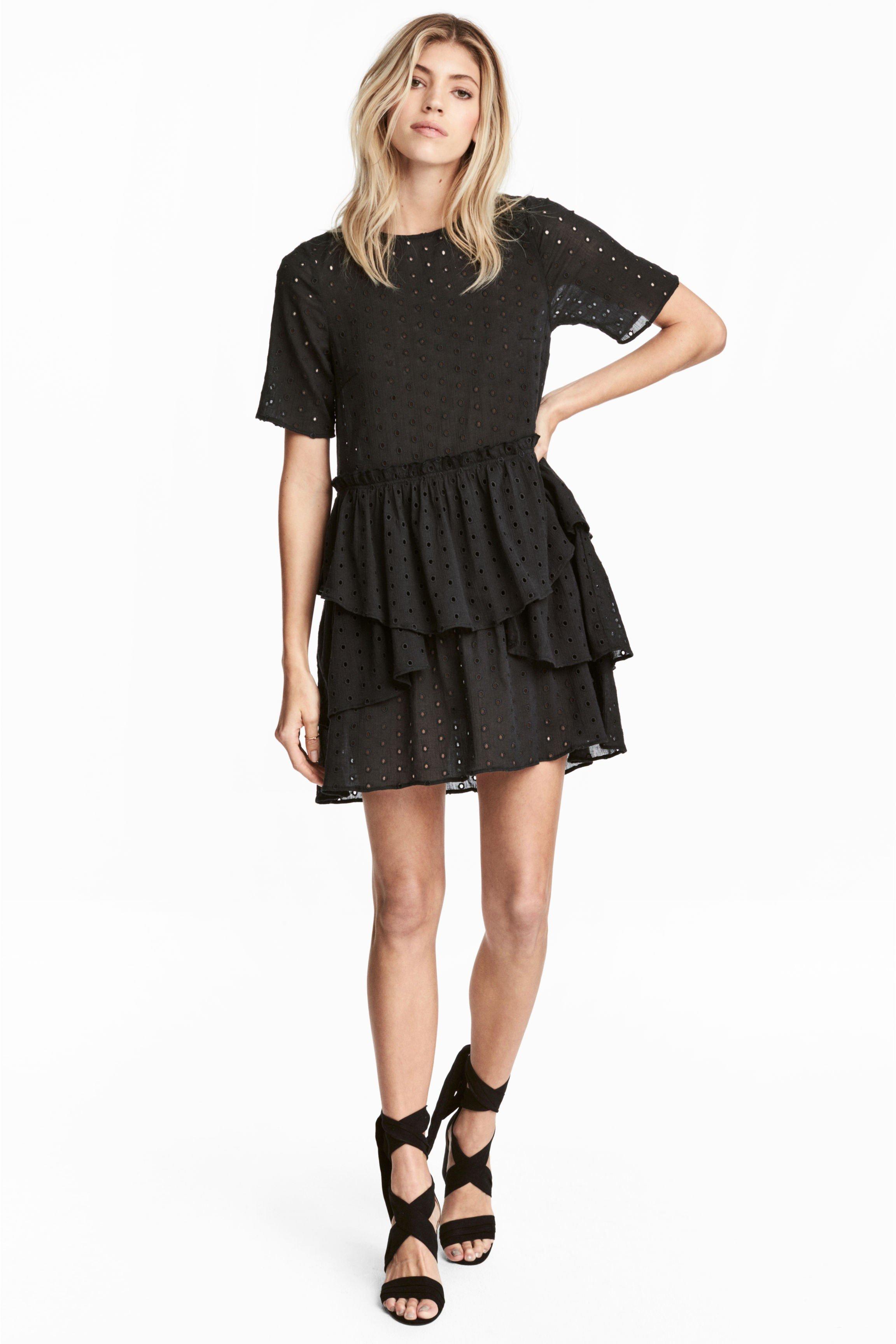 b0a779f82e33 Стильные платья 2018 года  модные тенденции, фото, новинки