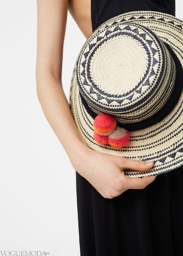 шляпа с украшениями