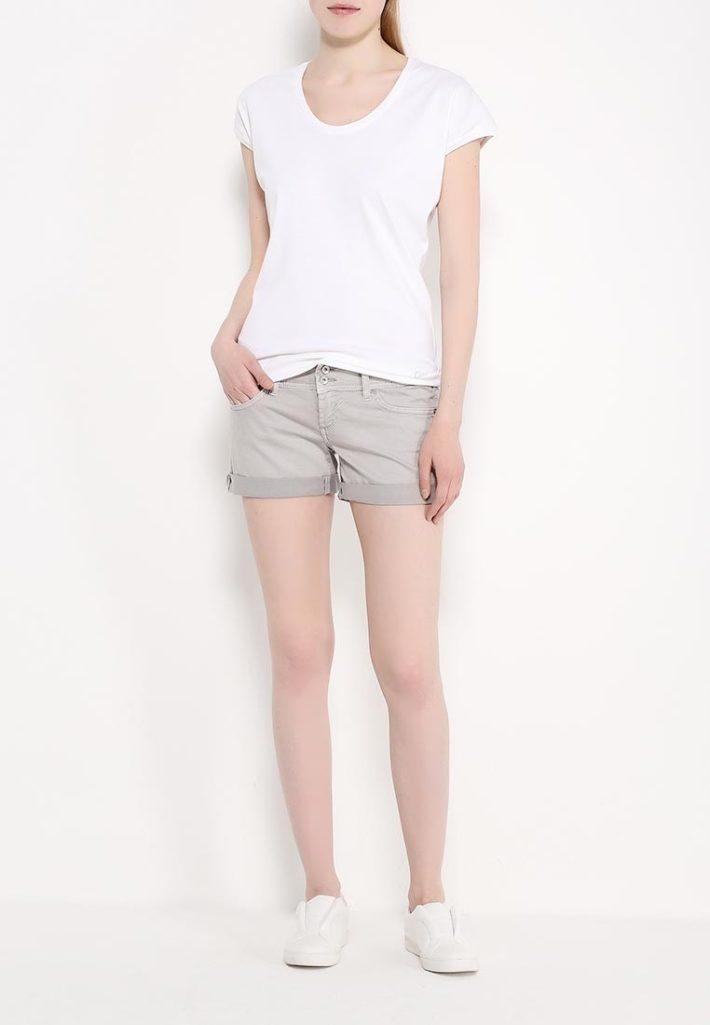 летние шорты с заворотом