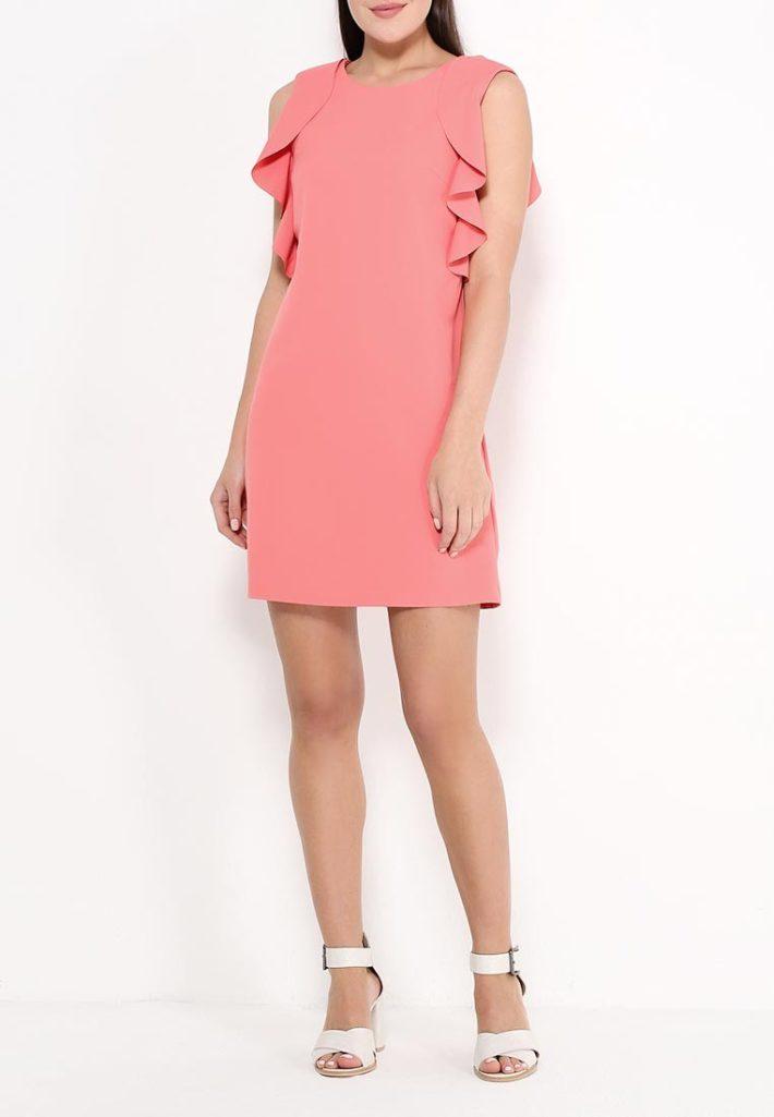базовый гардероб на лето 2020 года - летнее платье розовое