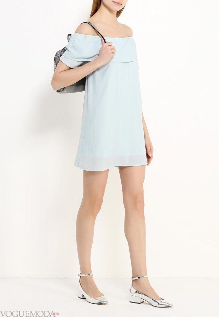 базовый гардероб на лето 2018 года - летнее платье голубое