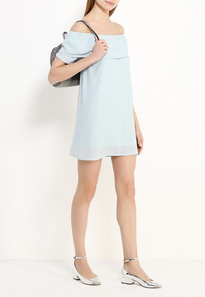 базовый гардероб на лето 2020 года - летнее платье голубое
