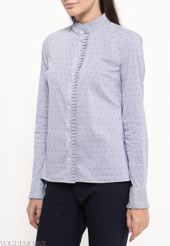 блуза с рюшами голубая