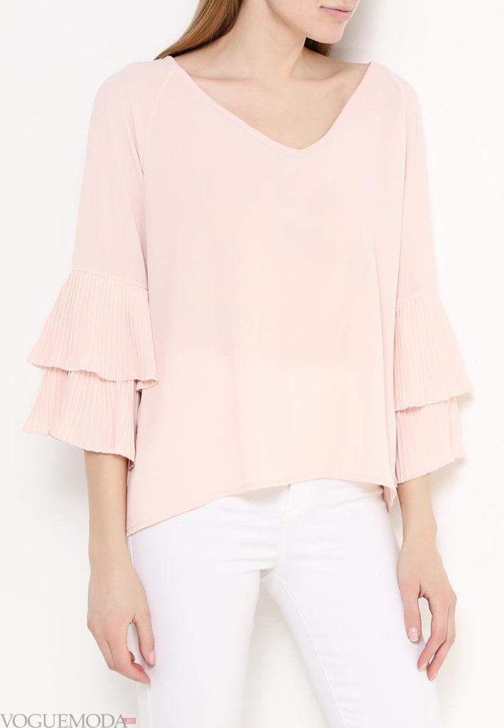 блуза с рюшами розовая