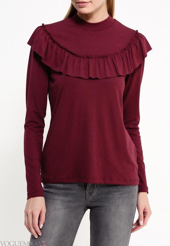 блуза с рюшами бордо