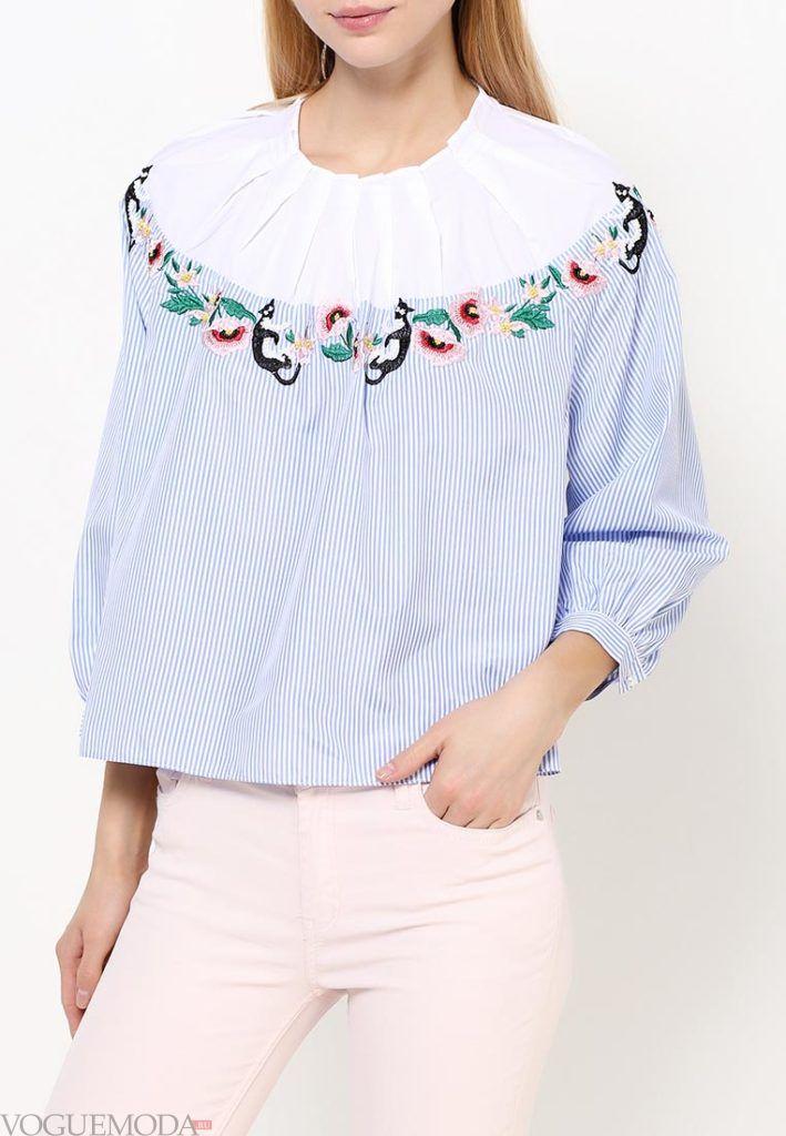 блузка с пышным рукавом с декором