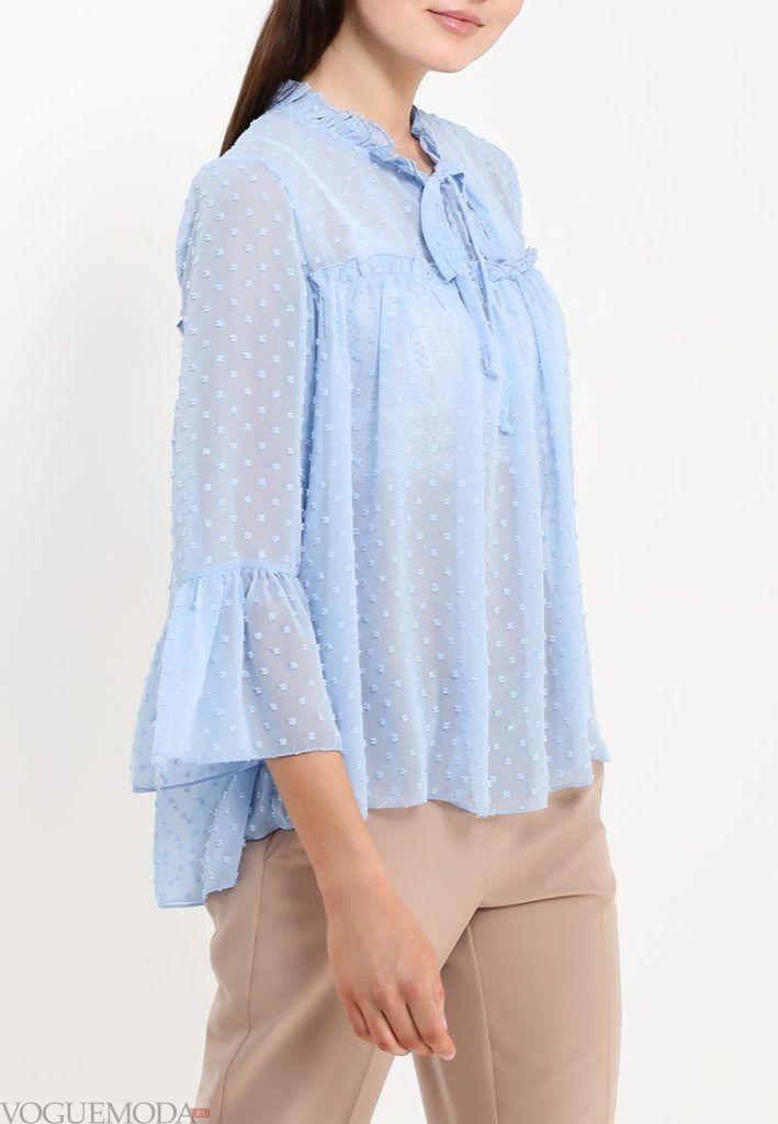 блузка с пышным рукавом голубая