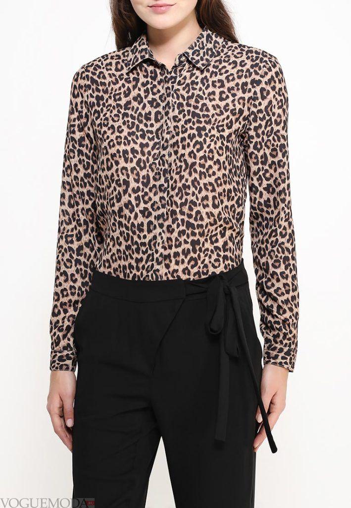 блузка с воротником с принтом