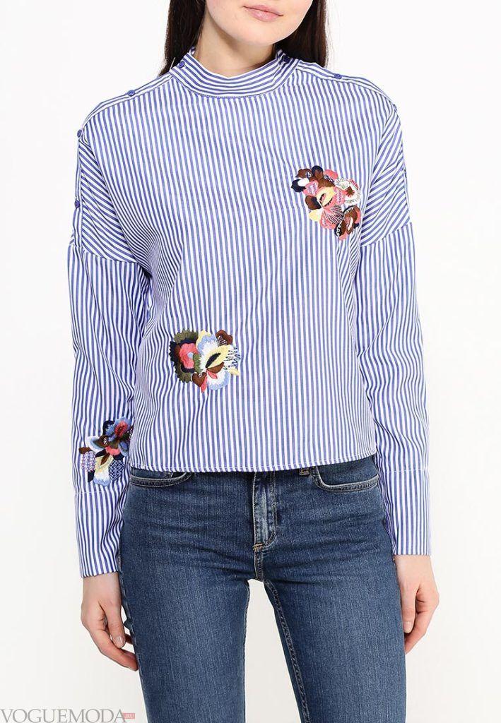 блузка с длинным рукавом и вышивкой
