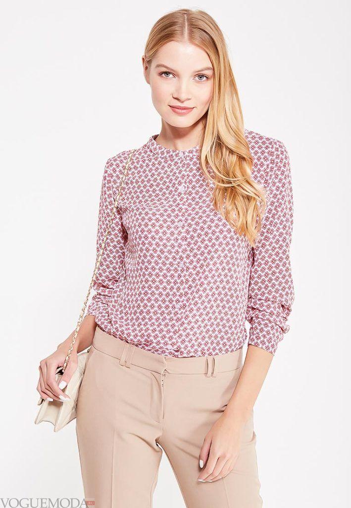 блузка с длинным рукавом и орнаментом
