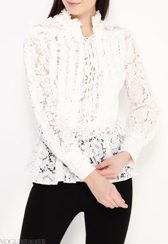 блузка с поясом светлая