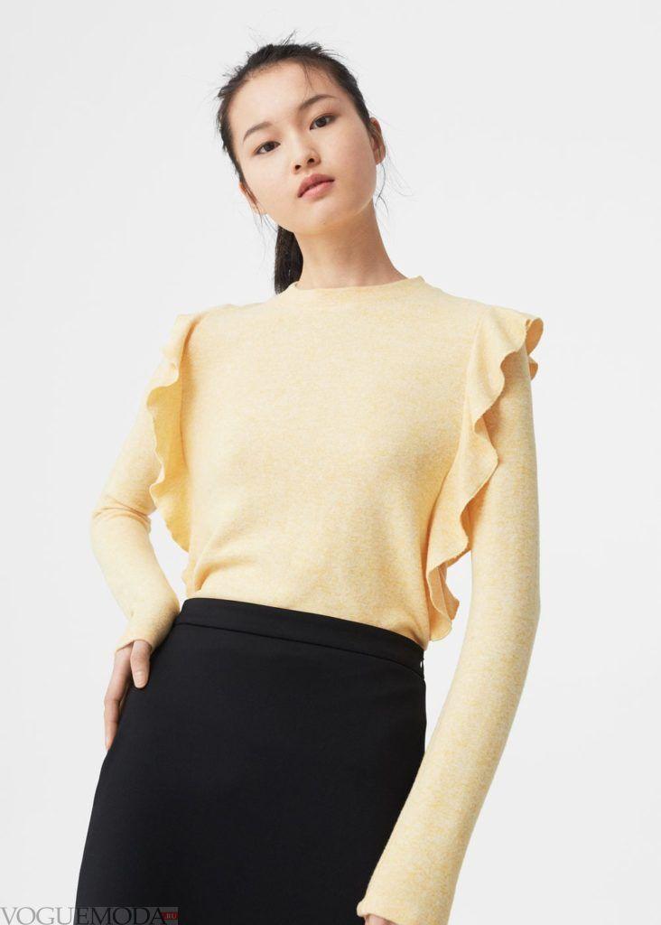 блузка с декором жёлтая