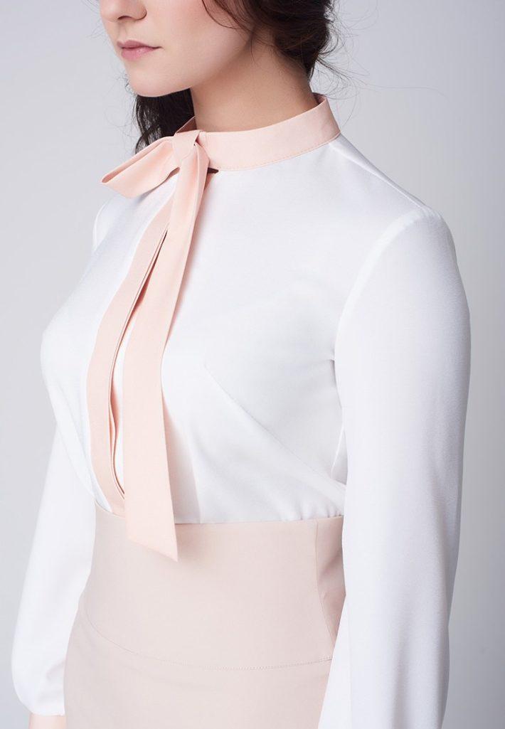 блузка с розовым бантом