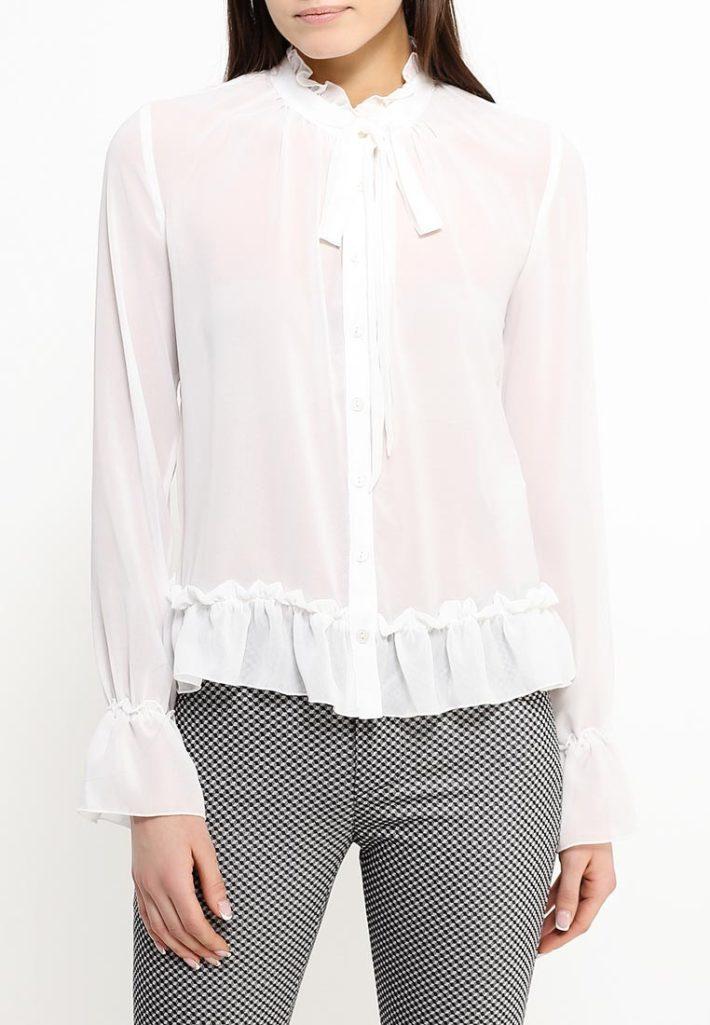 блузка с бантом и рюшами