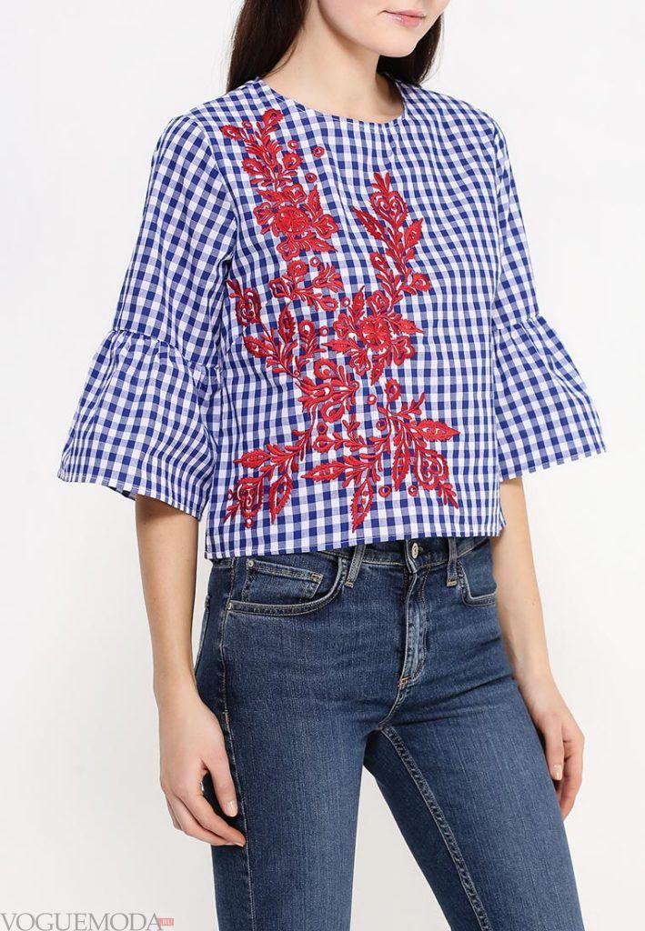 блузка с декором в клетку
