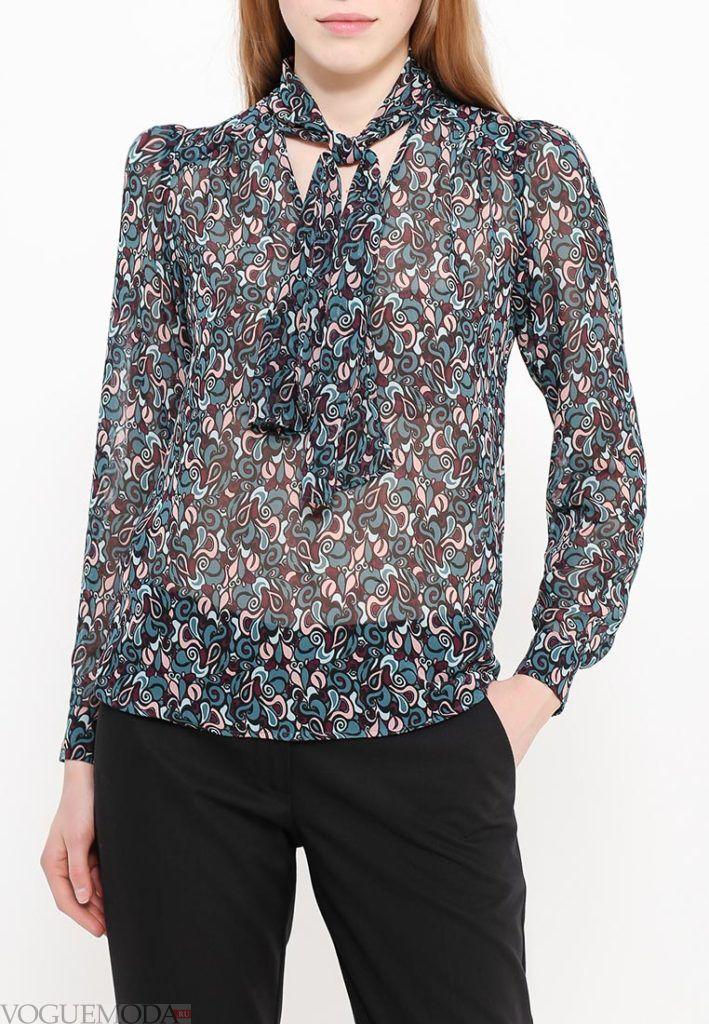 блузка с прозрачной тканью с принтом