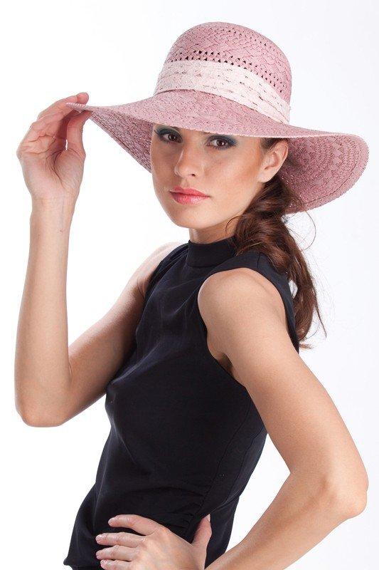 широкополая шляпа розовая