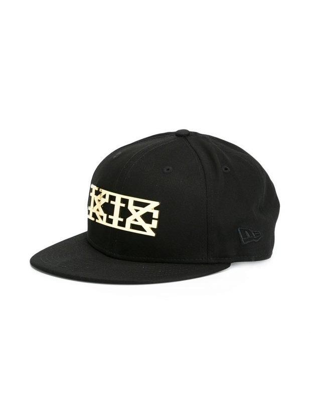 кепка черная