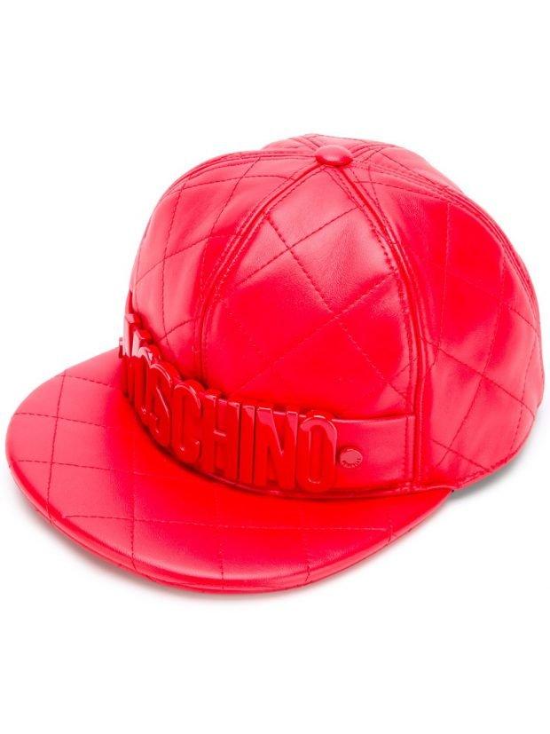 кепка красная