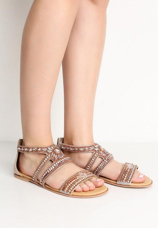 гладиаторские сандали с украшением