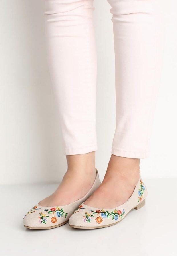 летняя обувь с орнаментом