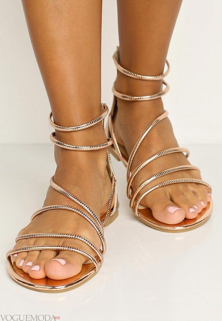 гладиаторские сандали светлые