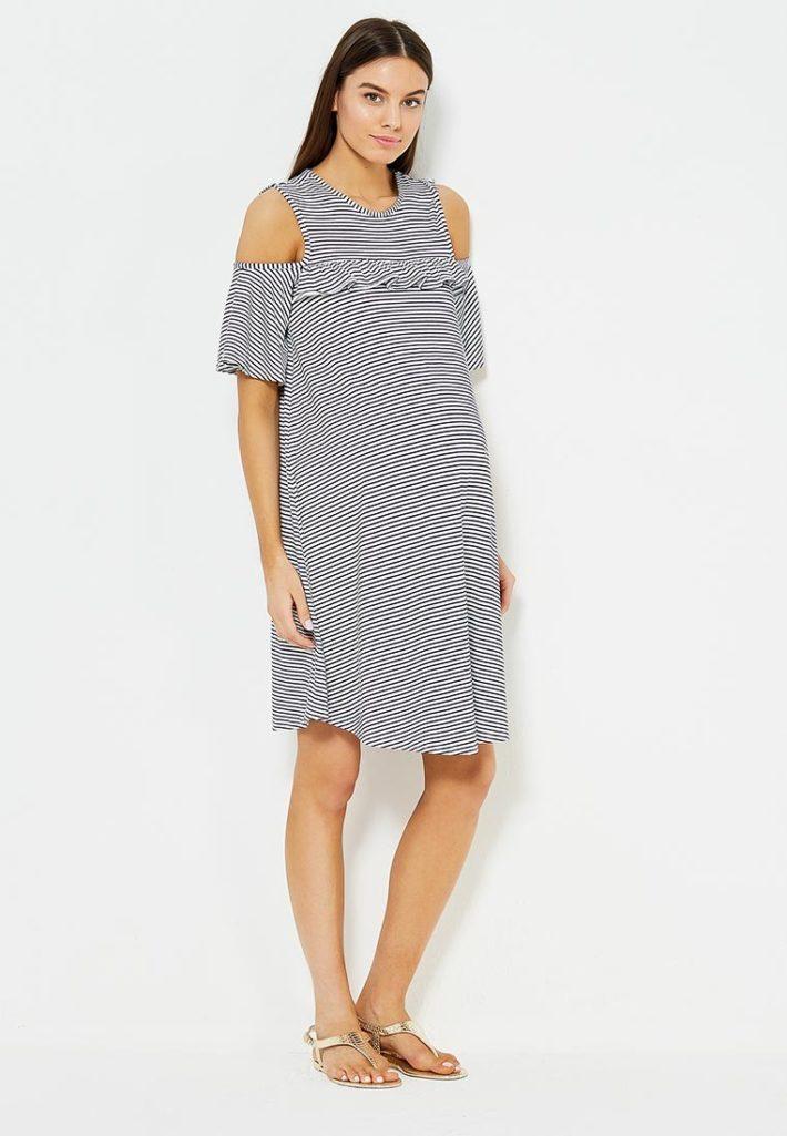 Мода для беременных 2021: платье в полоску