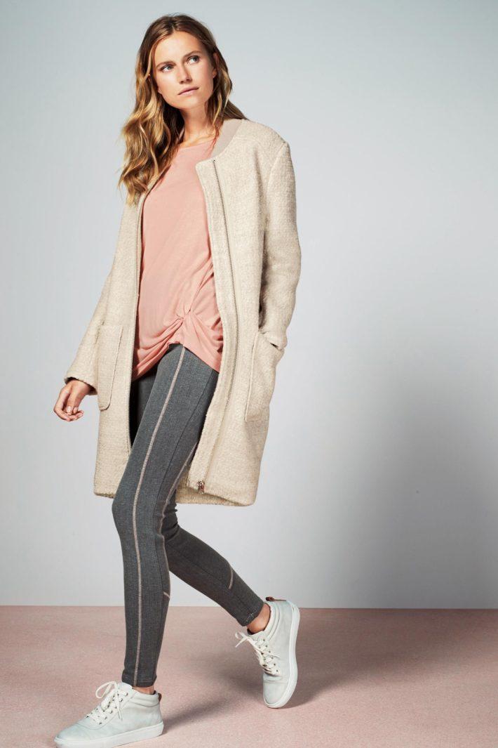 пальто для беременных молочное