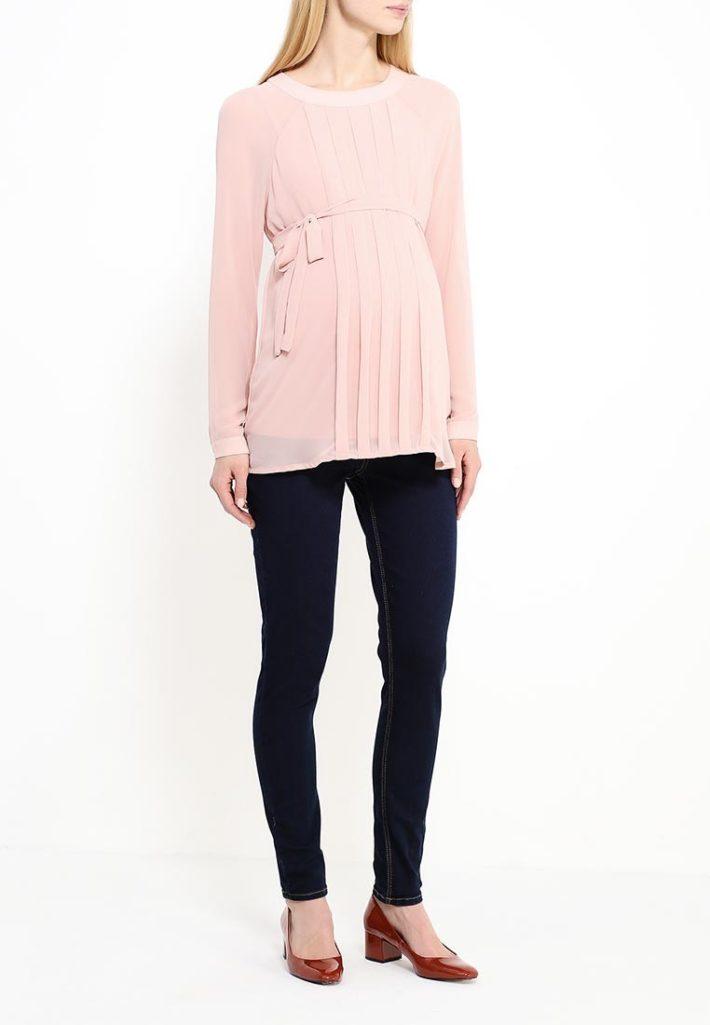 Мода для беременных 2021: лук воздушный