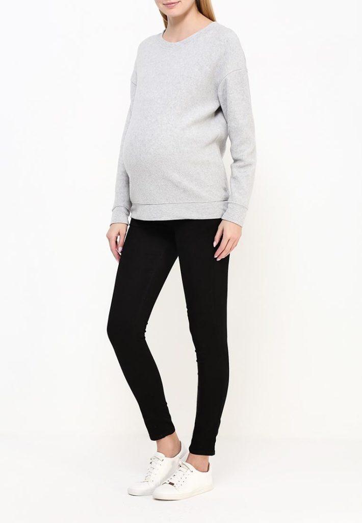 Мода для беременных 2021: лук трикотаж