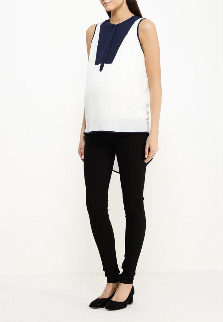 Мода для беременных 2021: лук с туникой