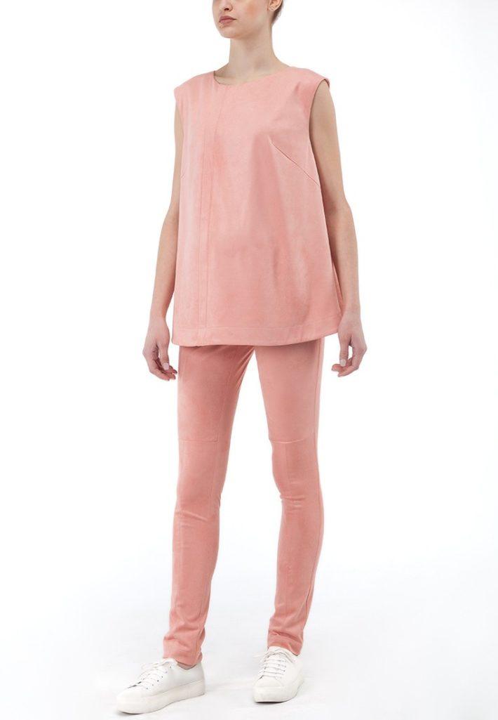 Мода для беременных 2021: лук розовый