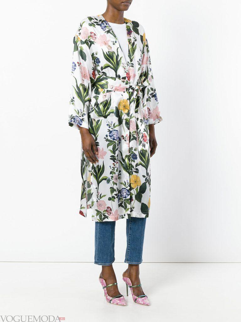 плащи 2019 2020 года: модный с рисунком