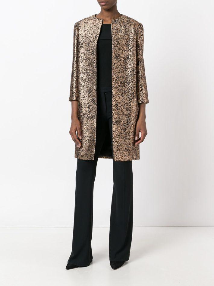 Модные тенденции осень зима 2020 2021: пальто блестящее